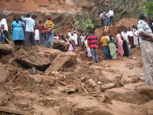 The rocks fell on the simple houses and killed 3 children